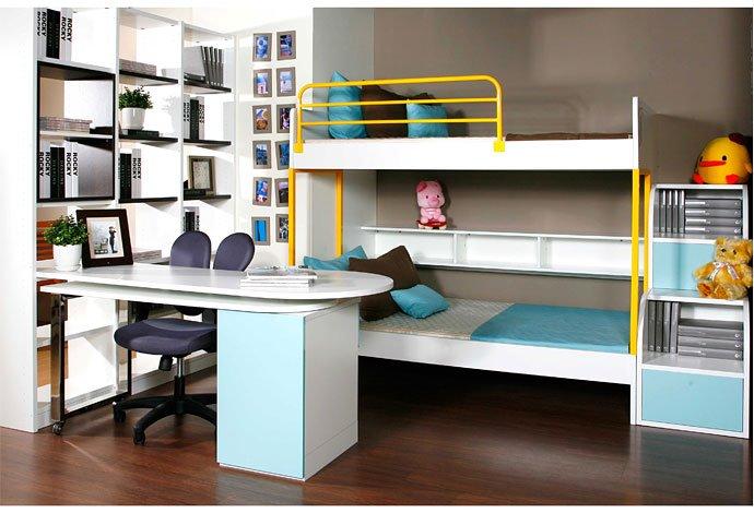要诀 7  桌下的收纳空间 除了书柜及层板外,利用现成的文具盒,放在