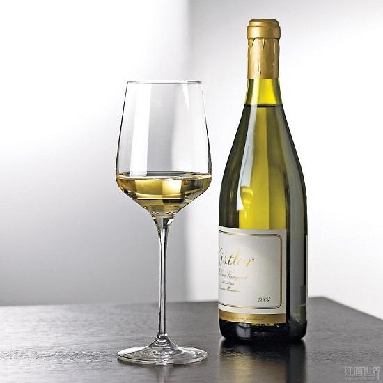 酵或熟成的白葡萄酒的酒体一般比较