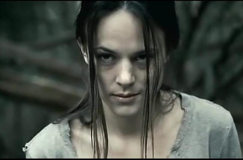 限>女性的复仇 我唾弃你的坟墓